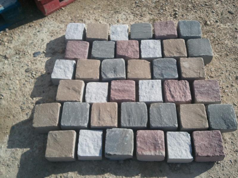 Adoquines de piedra para suelo exterior precios y tipos olnasa - Baldosas de hormigon para jardin ...
