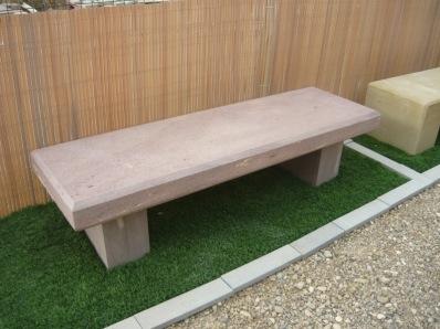Bancos de piedra natural para exteriores y jardines for Bancos jardin baratos