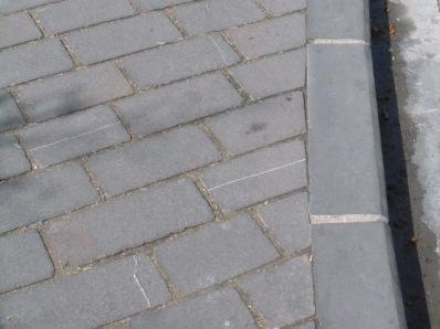Bordillos de piedra para pavimentaci n for Bordillos de plastico para jardin