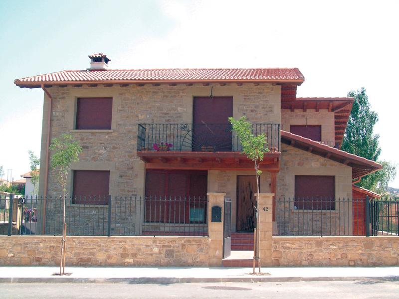 Piedra fachadas ests en tienda olnasa ue fachadas - Casas decoradas con piedra natural ...