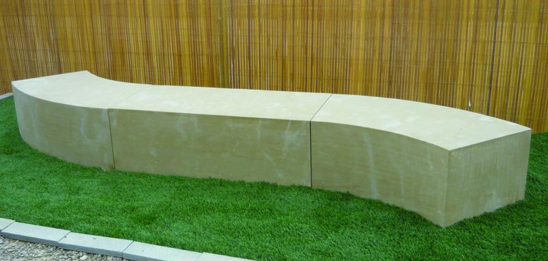 Mobiliario urbano en piedra natural for Precio piedras jardin