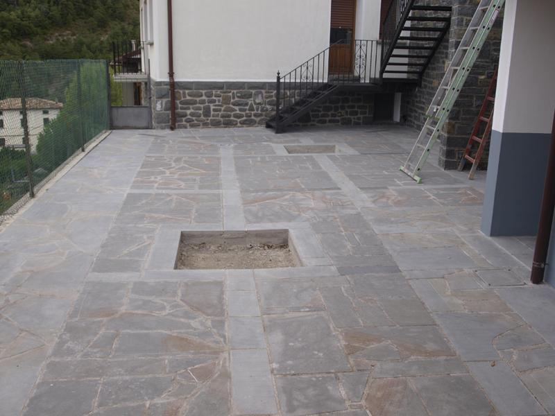 Pavimentos exteriores de piedra garant a de sostenibilidad - Pavimento rustico exterior ...