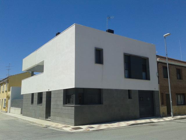 Realizacin de una fachada para una vivienda en Caparroso
