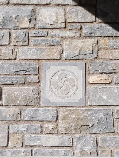 Relieves ornamentales en Piedra Natural