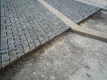 Fabricación de adoquines de piedra para pavimentación