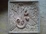 Detalle ornamental tallado en Piedra Beige Pirineo, por Fernando Sánchez