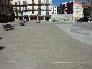 Plaza diseñada con diferentes tipos de piedra