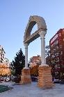 Arco en Piedra Beige Pirineo y Mármol Macael
