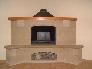 Decorar el salón con una chimenea revestida en piedra