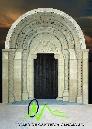 Reproducción de la portada de San Miguel de Uncastillo en piedra arenisca de Uncastillo