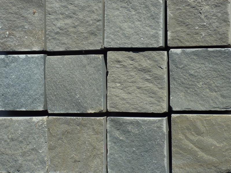 Adoquin cizallado en piedra natural azul pirineo - Adoquin de piedra ...