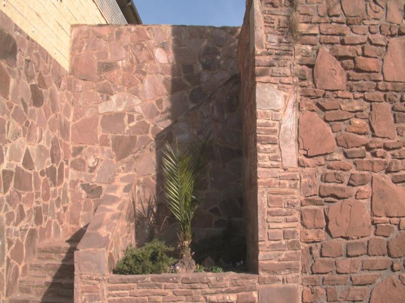 Lajas de piedra natural irregular rustica revestimientos - Paredes de piedra ...