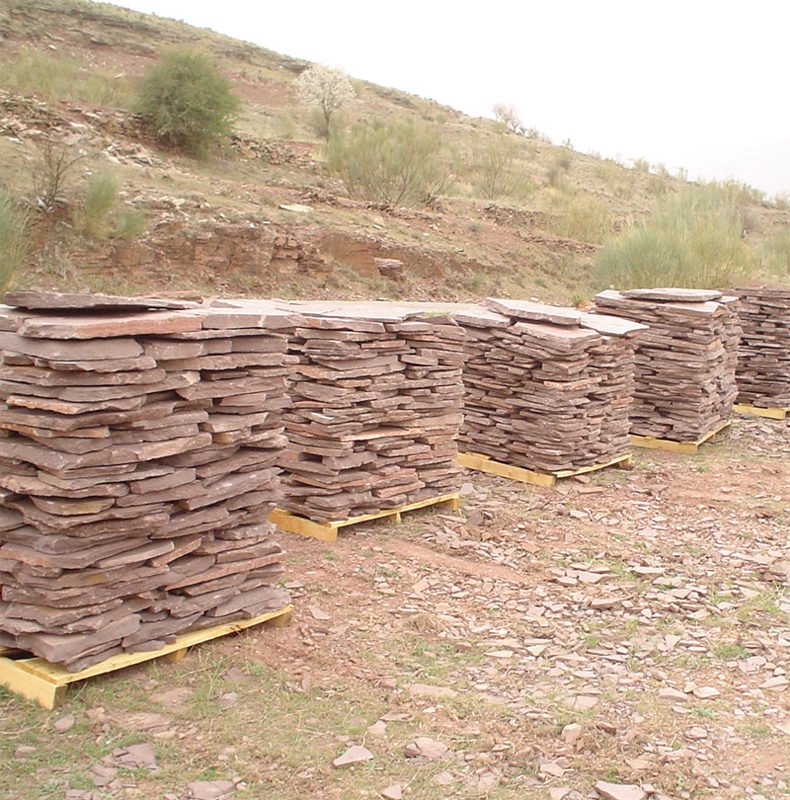 Laja en piedra natural rodeno rojo moncayo for Lajas de piedra natural