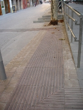Pavimento podotáctil